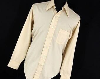 ON SALE Vintage Arrow Ultressa Shirt Men's Button Down Front 15.5 15 1/2 35 Dacron Polyester Wide Spread Collar 70's H1