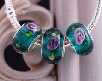 2 MULTICOLOR LAMPWORK BEADS.  ROUND LARGE HOLE RONDELLE. 14x9mm
