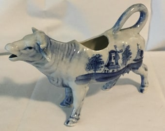 Antique Blue & White Chinese Export Delft Pattern Figural Cow Creamer