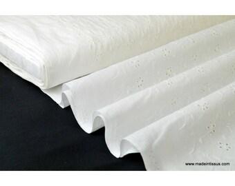 Tissu broderies anglaise coton blanc x50cm