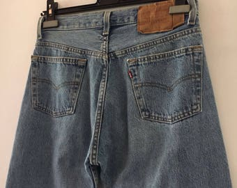 Levis High Waisted Jeans Size 30/32 501 Classic Wash