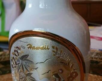 "Vintage ""Art of Chokin"" Hawaii scene vase white with Gold Hula design"