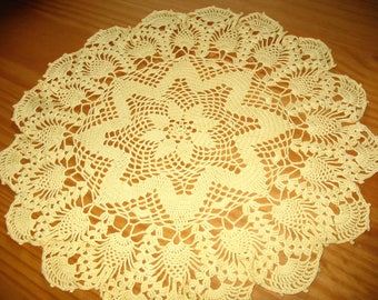 LARGE DOILY yellow 44 cm diameter