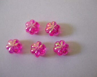 Colors pink with reflections 9 beads flowers 12 mm diam.