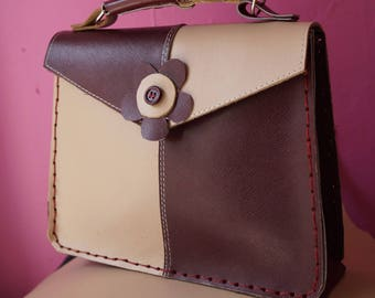 very nice purse all leather hand stitched