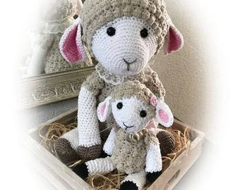 Mom and baby sheep-handmade-crochet