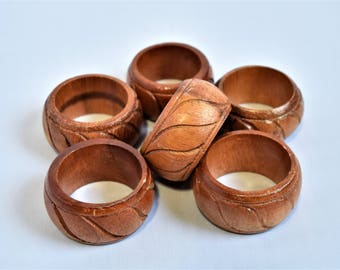 Vintage Set of 6 Wooden Napkin rings