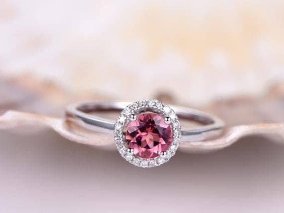 40 Beautiful Engagement Rings With Gemstones Page 3