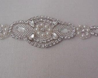 A Bridal wedding rhinestones applique beaded rhinestones motif diamante applique is for sale. sold by per piece