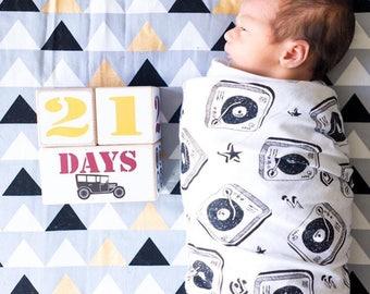 Baby Age Blocks - Baby Milestone Blocks -  Vintage Cars - Newborn Boy - Pregnancy Weeks - First Day - Baby Shower - Boy Nursery Decor- Gift