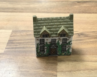 Wade Whimsey on Why Dr Healers House Collectable Miniature Buildings