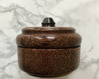 Beautiful round box in palm wood