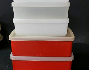 Vintage tupperware storage containers  Set of 5 with lids.