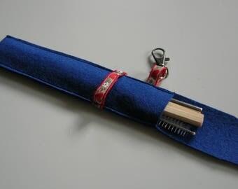 Reusable straws in holder. Case.