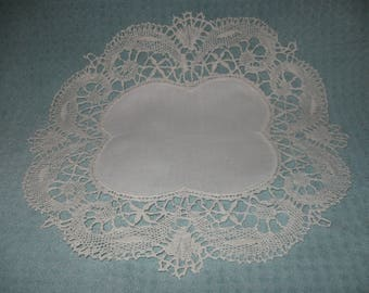Gorgeous, Matching PR. Large Antique Doilies! (Great GIFT Idea, Comes WRAPPED)