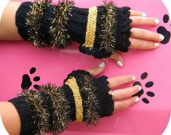Fingerless gloves (handmade) black and gold