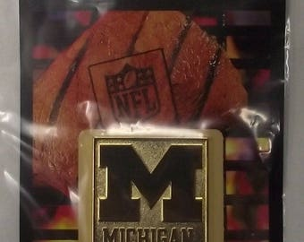 NCAA 10112 Michigan Wolverines Logo Branding Plate FanBrand Barbecue Grill