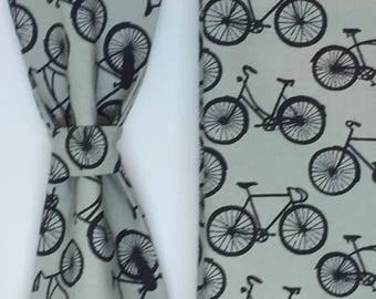 Men's Bicycle print bow tie Pre-tied bow tie Bike print pocket square gift for men Cycling print wedding bow tie groomsmen