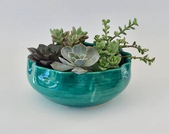 Scalloped Handmade Emerald Green Bowl