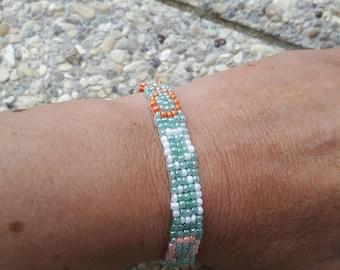 "Woven bracelet ""s"" shaped seed beads"