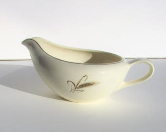 Vintage Gravy boat by Royal Jogi/23k gold, ovenproof, simple and elegant, great condition