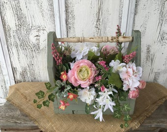 Primitive Wood Box with Vintage Spindle Handle in Rose and White, Spring Arrangement, Summer Arrangement, FAAP, Antique Spindle Arrangement