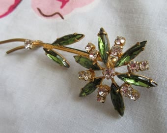 Green crystal flower brooch vintage lapel jewellery 1950s 1960s