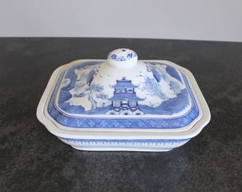 Blue and White Canton Serving Dish with Lid, Chinoiserie Casserole Dish