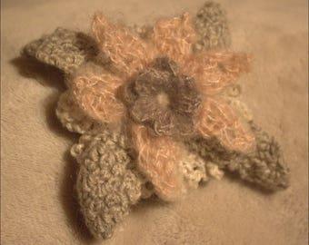 Reversible to pin flower