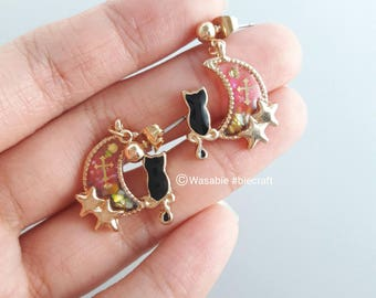 Biecraft : Glow in the dark Gothic NyanMoon Earring