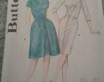 Vintage Butterick 2889; ca. 1963; YG. JR. V Seamed Dress - Size 13 Bust 33