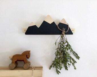 Coat 3 mountain peaks, spirals