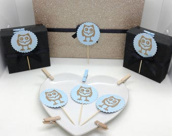 24 cupcake toppers. Blue scalloped circles with kraft brown owls. Boy's birthdays. Baby showers. Christenings. Baptisms. UK seller.