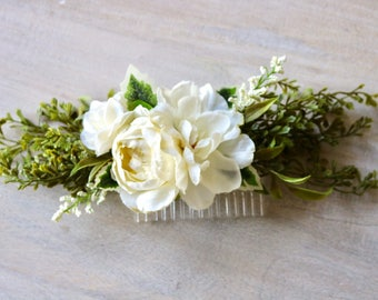 Wedding hair comb, white hair comb, floral hair comb, bridal comb, bridal flower comb, boho hair comb, rustic hair comb, white wedding comb