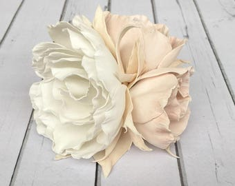 Bridal flowers hair Bridal flower headpiece White flowers hair clip Peony accessory Wedding hair flowers White flower barrette Peony flower