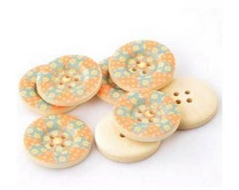 4 round buttons wood 2.5 cm flowers PATCHWORK