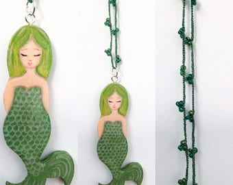 Green Mermaid to crochet necklace with beads zoownatas