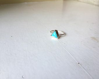 La Luchadora: Natural Mexican turquoise stacking ring set in fine and sterling silver (size 5)