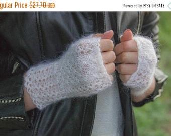 Fingerless bridal mitts Autumn bridal gloves Fingerless wedding gloves Goat wool Lace fingerless Texting gloves Fingerless bridal warmer