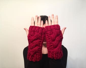 Women's Chunky Cable Knit Fingerless Gloves // Wool Hand Warmers // Arm Warmers