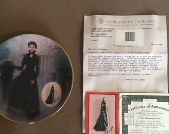 """1994 Gone with the Wind """" The mourning Gown"""" plate"""