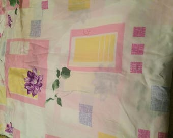 Pink and white fabrics in 100% cotton width approximately 2300 satinee