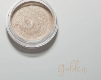 Organic Mineral Eye Shadow in Golden