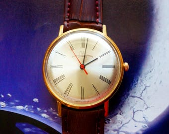Men's watches Luch USSR slim body 23 stones. Made in USSR. Gilding body and details. Antiques. Gift for her, him. Vintage. Classic clock