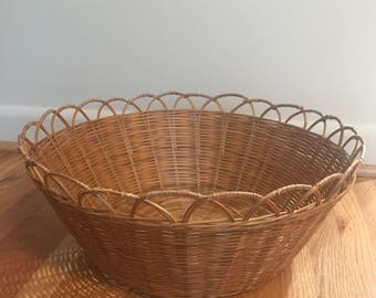 Large Round Basket with Scallop Edge Detail