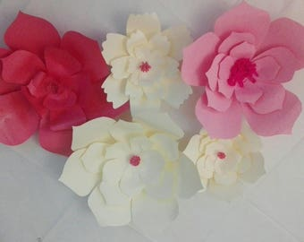 Wonderful paper flowers suitable for a thousand uses! Make the atmosphere of your party magical!