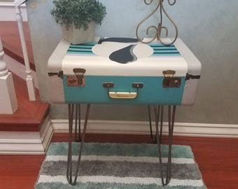 Vintage Suitcase Accent Table/ Nightstand