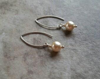 Pearl, dangle earrings, vintage inspired, wedding, bridal, gift for her