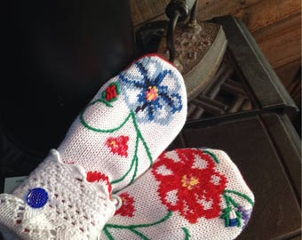 Floral repurposed  sweater mittens, medium