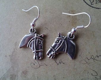 Horse head Earrings ~ Silver Colors ~